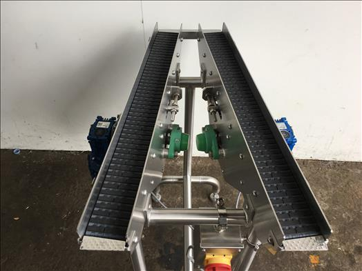 stainless twin lane V conveyor