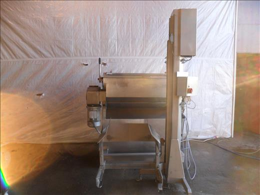 twin shaft paddle mixer and tote bin hoist
